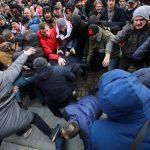 Jak się ośmieszyć, kiedy obywatel protestuje: poradnik białoruskiego urzędnika